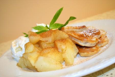 Apple Cuanamon Waffle